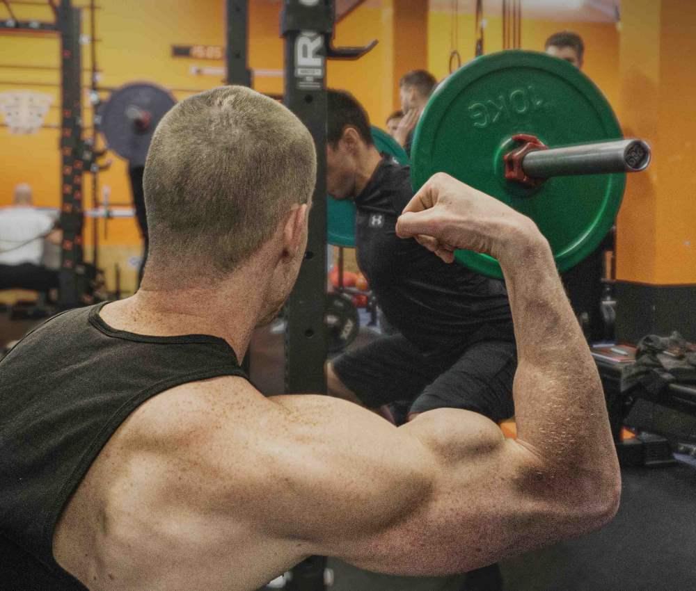 Chris Eikelmeier Muskelaufbau nur mit Grundübungen